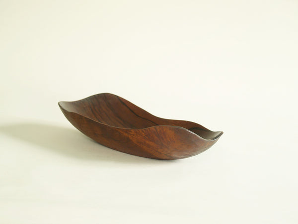 Fine coupe monoxyle de forme libre, France (vers 1955)..Fine carved freeform bowl, France (circa 1955)