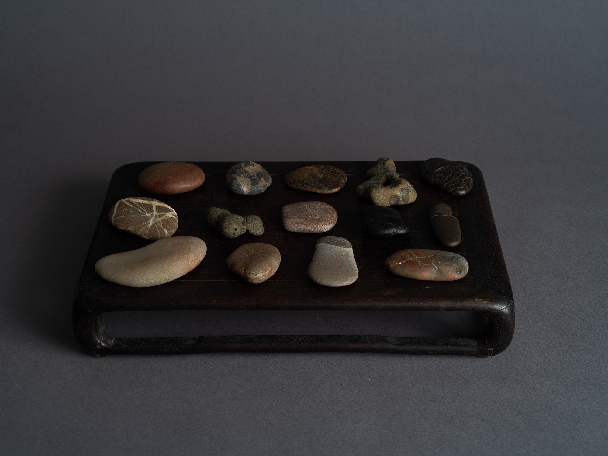 Mitate, collection de pierres et leur support, France..Mitate, Stones collection, France