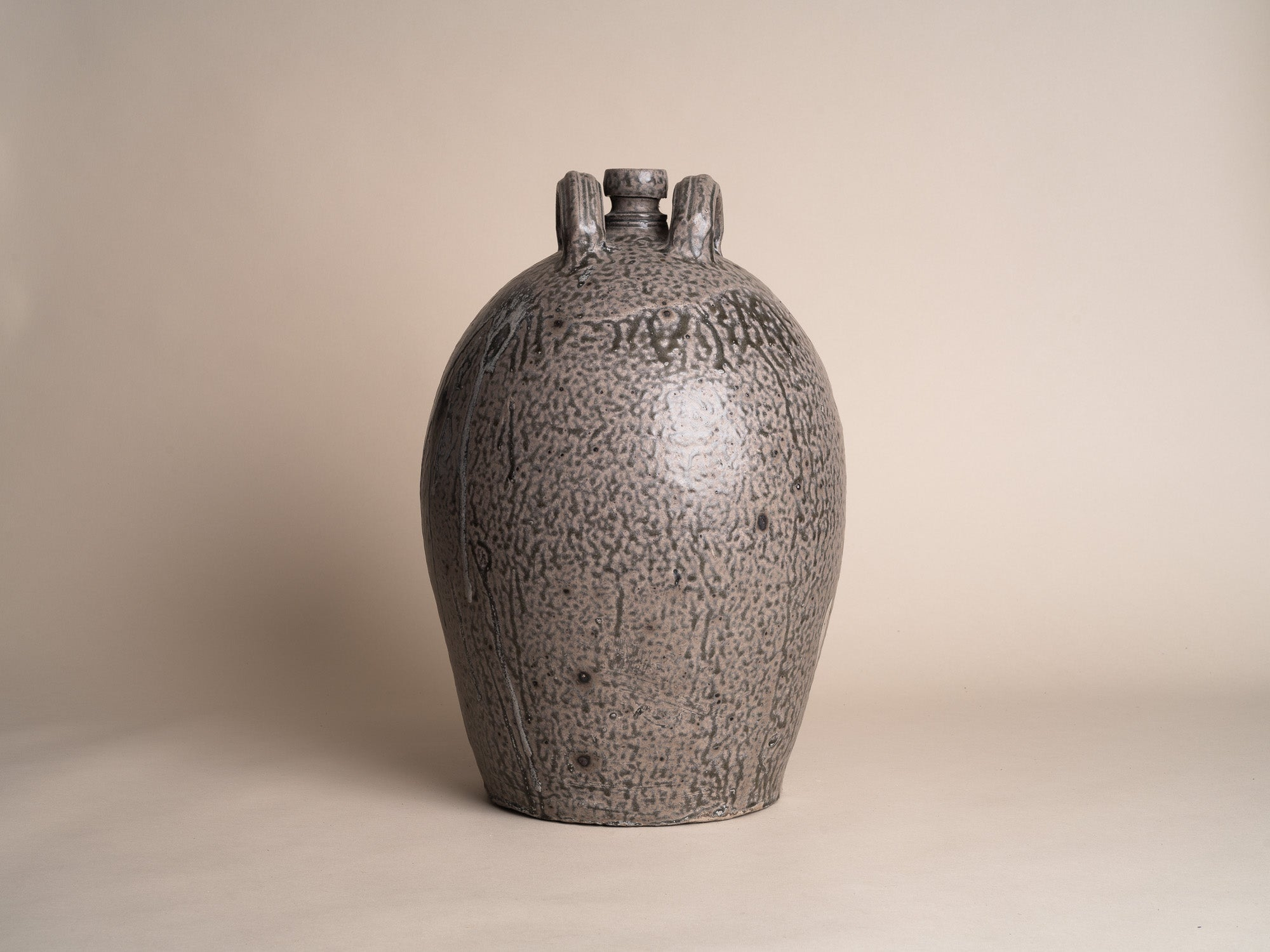 "Rare jarre bombonne ""peau de serpent"" en grès du Berry, France (XIXe siècle)..Snakeskin glazed Stoneware folk pot by anonymous Berry potters, France (19th century)"