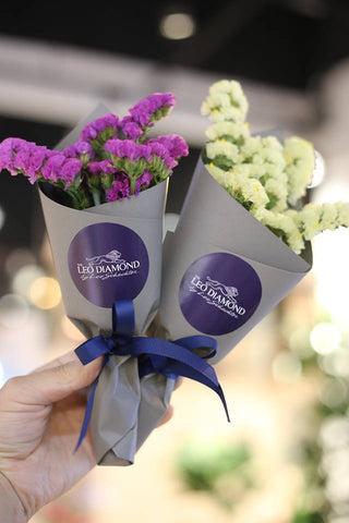 These cute little bouquets were given out to customers on a special Sunday of 520 (20 May) at the Leo Diamond promotional counter in APM.