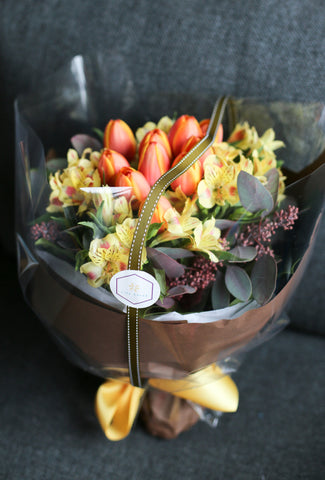 bouquet gift love flower lily sarah lilysarah agnesb birthday valentine graduation celebration ceremony wedding rose garden lover pink green orange yellow alstroemeria tulip sunshine summer 玫瑰 花束 花 禮物 情人節 花店 生日 畢業 婚禮 慶祝 橙色 黃色 小百合 鬱金香 陽光 夏