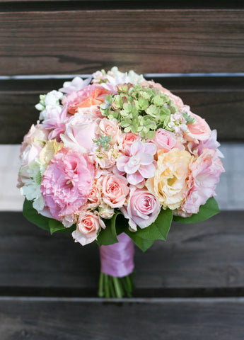 pastel colour feminine pink bridal bouquet Lily Sarah Fresh flower bouquet 新娘花球 wedding package