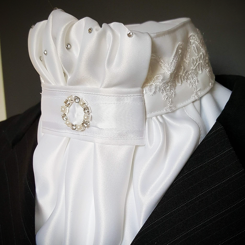 White Euro Stock with Lace Feature Collar