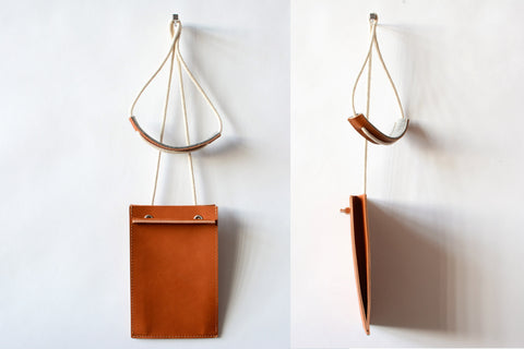 TRAVEL SLING IN TAN