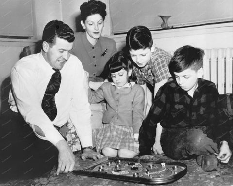 Family Watching Dad Play Bagatelle Pinball Machine 8x10 Reprint Of Old Photo