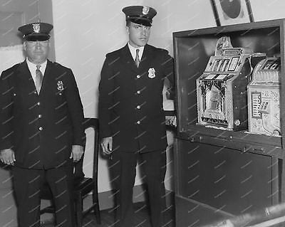 Mills Slot Machines Silent FOK 1931 & Poinsettia 1929 8x10 Reprint Of Old Photo