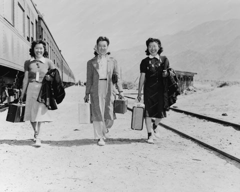 Train Travellers With Suitcases 1942 Vintage 8x10 Reprint Of Old Photo