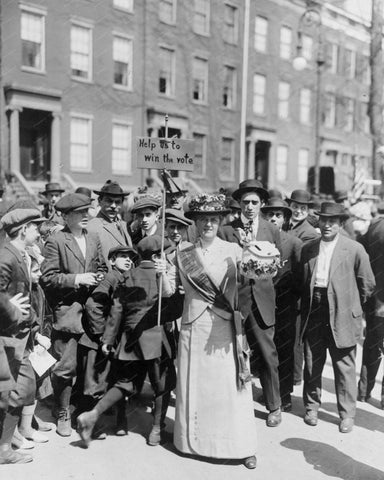 Woman Campaigning For Voting rights 1914 Vintage 8x10 Reprint Of Old Photo