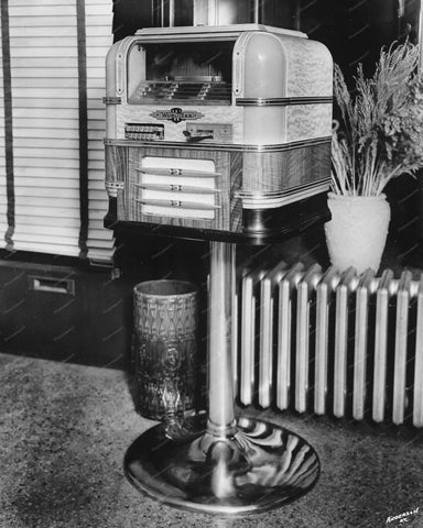 Wurlitzer Jukebox Counter Top Model 61 On Stand 8x10 Reprint Of Old Photo