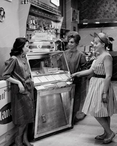 Seeburg L100 Jukebox Vintage 1957 8x10 Reprint Of Old Photo