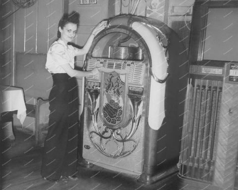 Wurlitzer Jukebox Model 850 Peacock Vintage 8x10 Reprint Of Old Photo