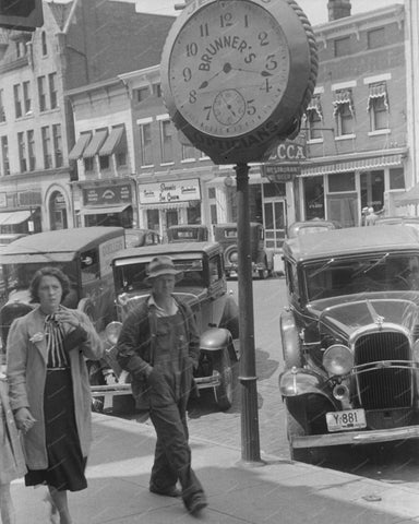 Brunners Optician Town Clock 1938 Vintage 8x10 Reprint Of Old Photo - Photoseeum