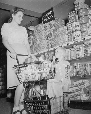 Shopping Cracker And Cookies Asile 1942 8x10 Reprint Of Old Photo - Photoseeum