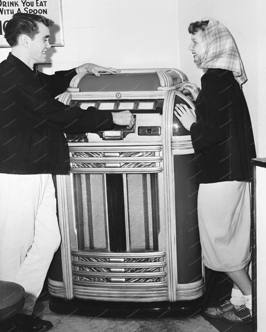 Seeburg Symphonola Classic Jukebox 1939 8x10 Reprint Of Old Photo