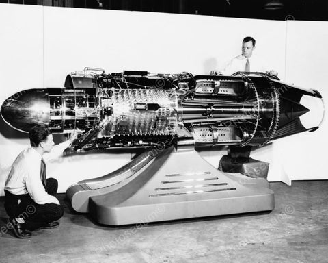 Cutaway J-47  Turbo Jet Engine 1940s 8x10 Reprint Of Old Photo