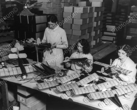 Women Workers Build Model Airplanes 8x10 Reprint Of Old Photo - Photoseeum