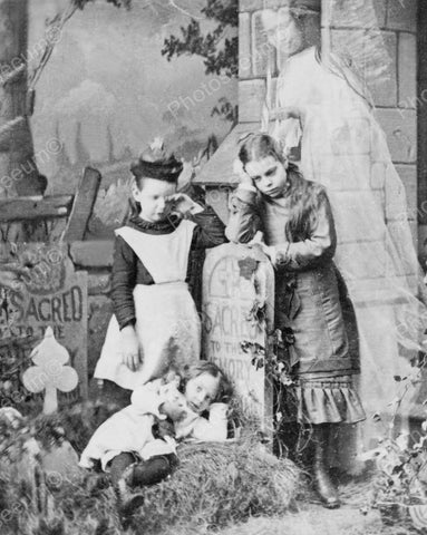 Children Mourn Loss Of Mother Ghost Appears 1889 8x10 Reprint Of Old Photo - Photoseeum