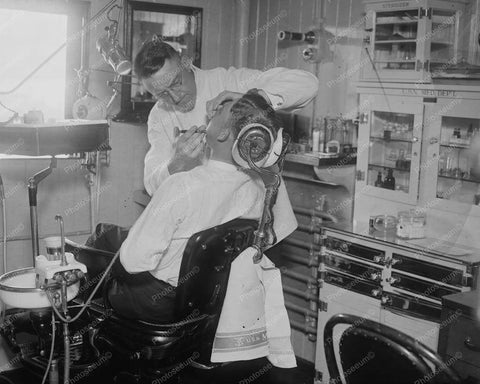 Dentist Giving Freezing Injection 8x10 Reprint Of Old Photo