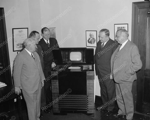 Men Inspecting Television In 1939 8x10 Reprint Of Old Photo
