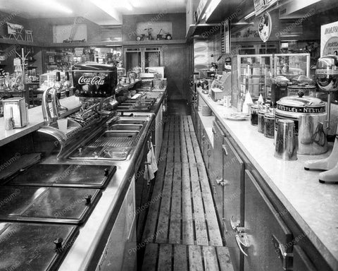 Behind The Counter Of  A  1960s Soda Fountain Diner 8x10 Reprint Of Old Photo - Photoseeum