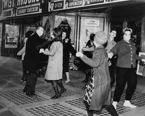 Dancing Theatre Goers Do The Twist Outside! Vintage 1960s Reprint 8x10 Old Photo