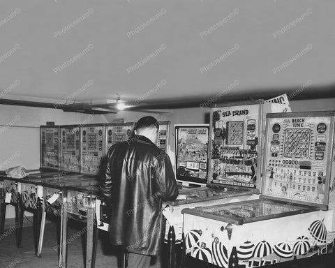 Bingo Pinball Woodrails Confiscated 8x10 Reprint Of Old Photo - Photoseeum