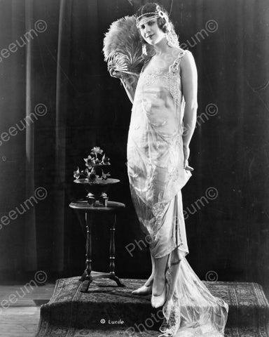 Elegant Flapper Girl Poses 1920s 8x10 Reprint Of Old Photo