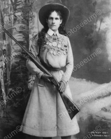 Annie Oakley Circa 1899 Vintage 8x10 Reprint Of Old Photo