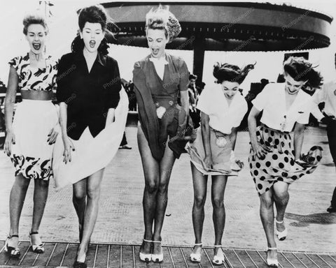 Air Flies Up Ladies Skirts Coney Island 8x10 Reprint Of Old Photo - Photoseeum