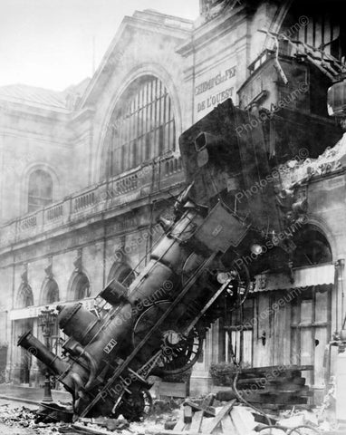 Train Wreck At Gare Montparnasse France 8x10 Reprint Of Old Photo