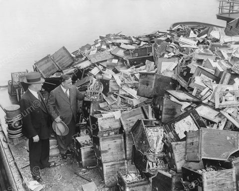 1500 Slot Machines Dumped Overboard 1936 Vintage 8x10 Reprint Of Old Photo