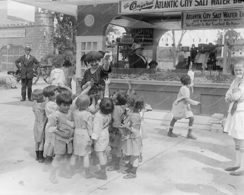 Children Line Up For Salt Water Taffy! 8x10 Reprint Of Old Photo