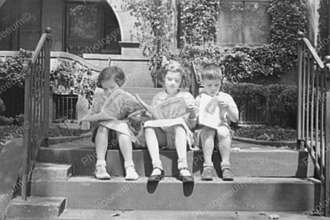 Children Read The News On Steps 4x6 Reprint Of Old Photo