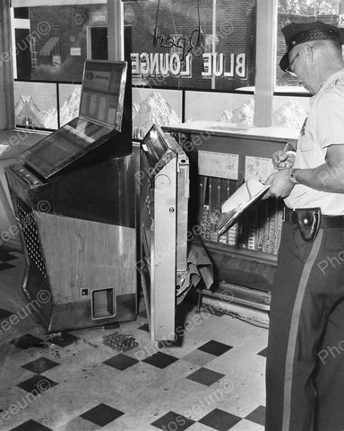 Blue Lounge Jukebox Breakin Police Investigate Vintage 8x10 Reprint Of Old Photo - Photoseeum