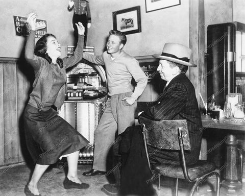 Wurlitzer Jukebox 1100 Girl Dancing At Diner Vintage 8x10 Reprint Of Old Photo