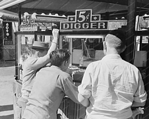 Digger Crane Game 5 Cent Arcade Claw 1940s California Fair 8x10 Reprint Of Photo