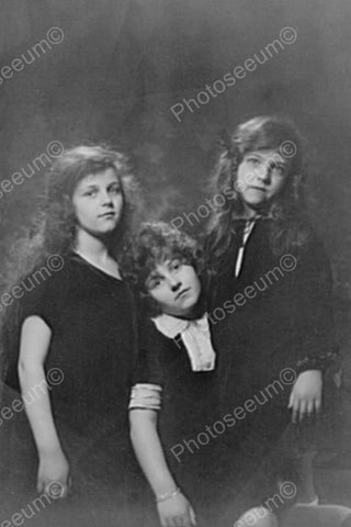 Victorian Girls Pose In Classic Portrait 4x6 Reprint Of Old Photo