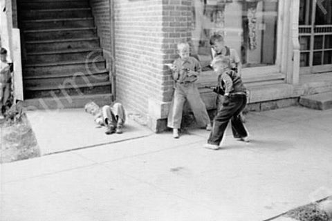 Boys In Toy Fight 1930s! 4x6 Reprint Of Old Photo - Photoseeum