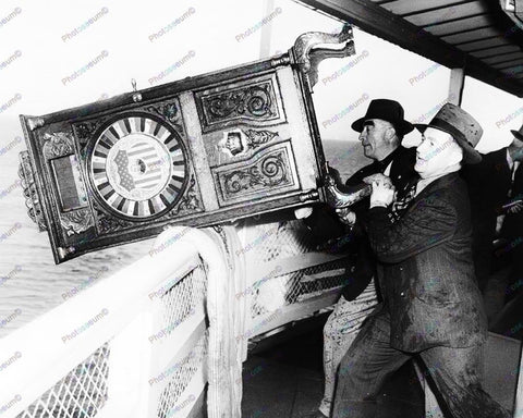 Mills 20th Century Slot Machine Thrown Overboard 8x10 Reprint Of Old Photo
