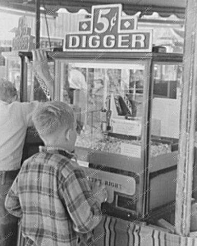 Digger Crane Arcade Claw Game 1940s Calif 8x10 Reprint Of Photo - Photoseeum