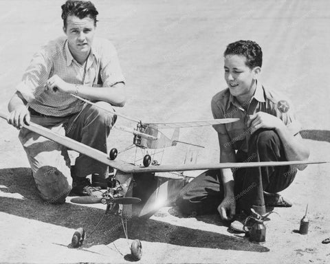 Boys With Giant Gas Model Airplane 8x10 Reprint Of Old Photo