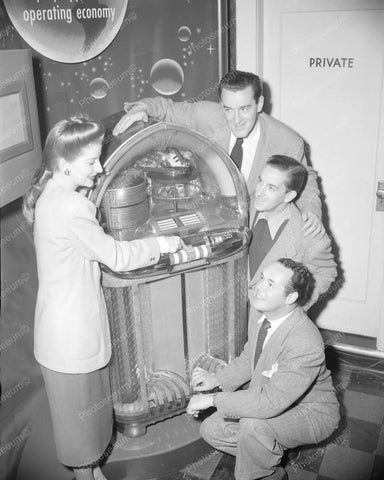 Wurlitzer Jukebox 1100 Promotion Vintage 8x10 Reprint Of Old Photo