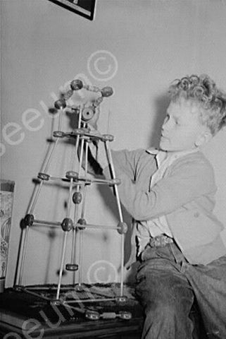 Young Boy Builds Vintage Tinker Toy 4x6 Reprint Of Old Photo - Photoseeum