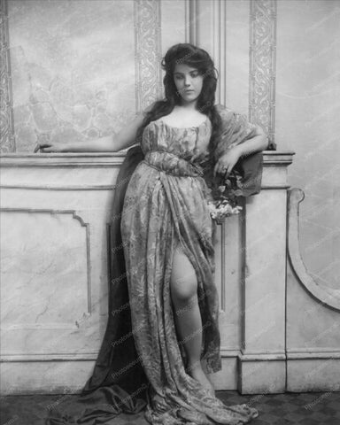 Beautiful Lady In Sultry Pose Shows Leg 8x10 Reprint Of Old Photo