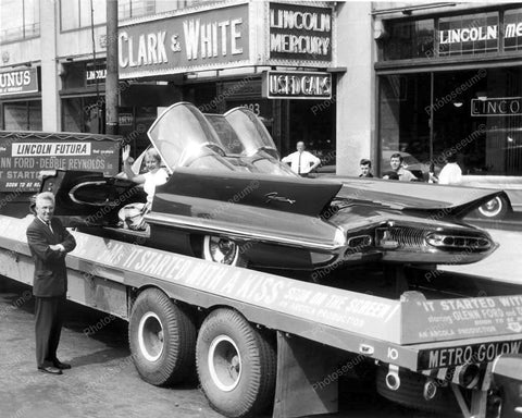 Clark & White Lincoln Dealer Futura Car Vintage 8x10 Reprint Of Old Photo