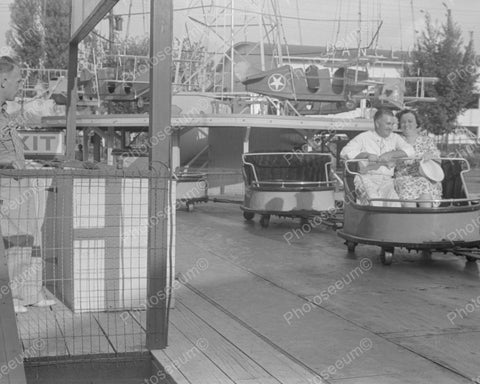 Couple In Ohio Amusement Ride 1938 Vintage 8x10 Reprint Of Old Photo