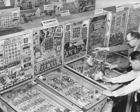 Bingo Pinball Machines & Gumball Coin-Op 8x10 Reprint Of Old Photo - Photoseeum