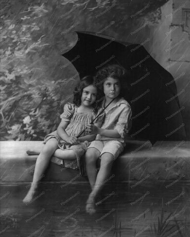 Victorian Children In Rain With Umbrella 8x10 Reprint Of Old Photo - Photoseeum