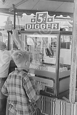 Crane Claw Digger Midway Game 5 Cent Play 4x6 Reprint Of Old Photo