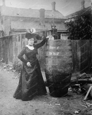 Anna Edson Queen Of The Mist wBarrel 8x10 Reprint Of Old Photo - Photoseeum